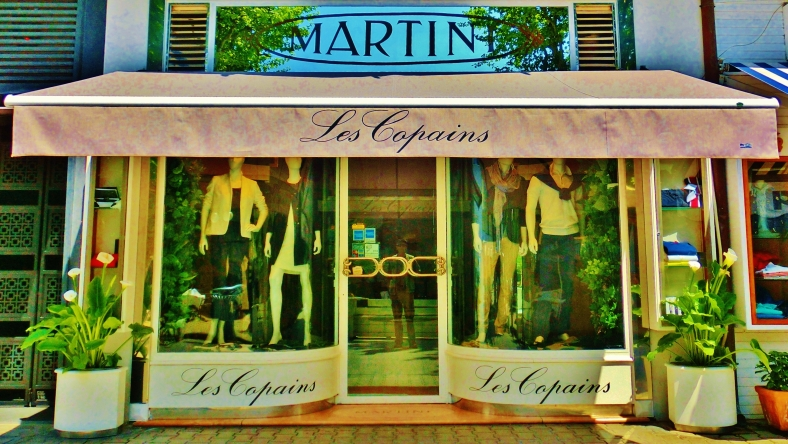 Window Shopping in Forte dei Marmi by MARTIN COONEY