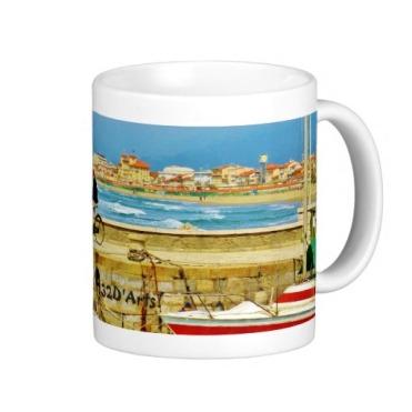 Chance Encounter, Viareggio Pier, Classic Mug, Right