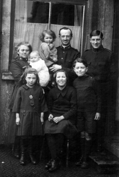 The Templeman Clan somewhere in theSalvationists. West Country of England.