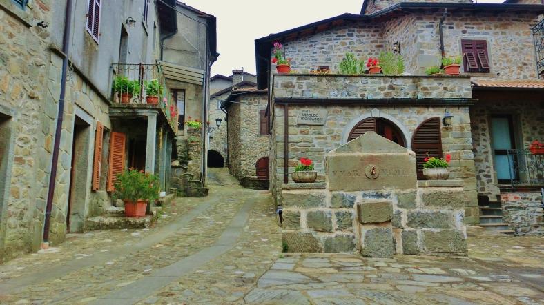 Montereggio, Lunigiana, on the North West Tuscan Way