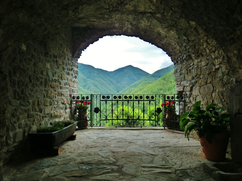 Arched alleyway, Montereggio, Lunigiana, on the North West Tuscan Way, Italy