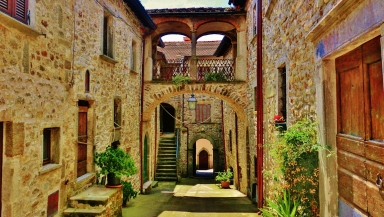 Outer courtyard, Castello di Malgrate, Lunigiana, Tuscany, Italy