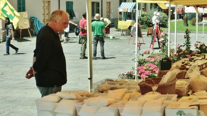 Market stall, Fivizzano in Festive Mood, Luginiana, Tuscany, Italyly