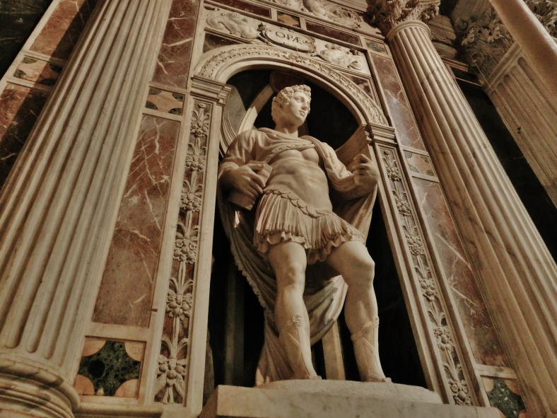 Statue, Pisa Cathedral, Tuscany, Italy