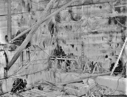 Yule Marble Quarry, quarrymen at work (2)