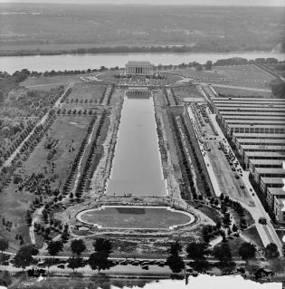 Lincoln Memorial, Reflecting Pool