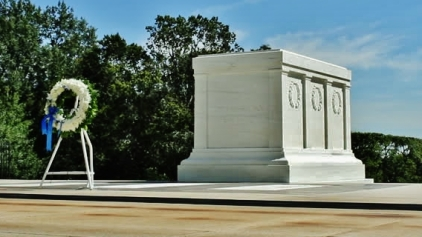 Tomb of the Unknown Soldier, with wreath